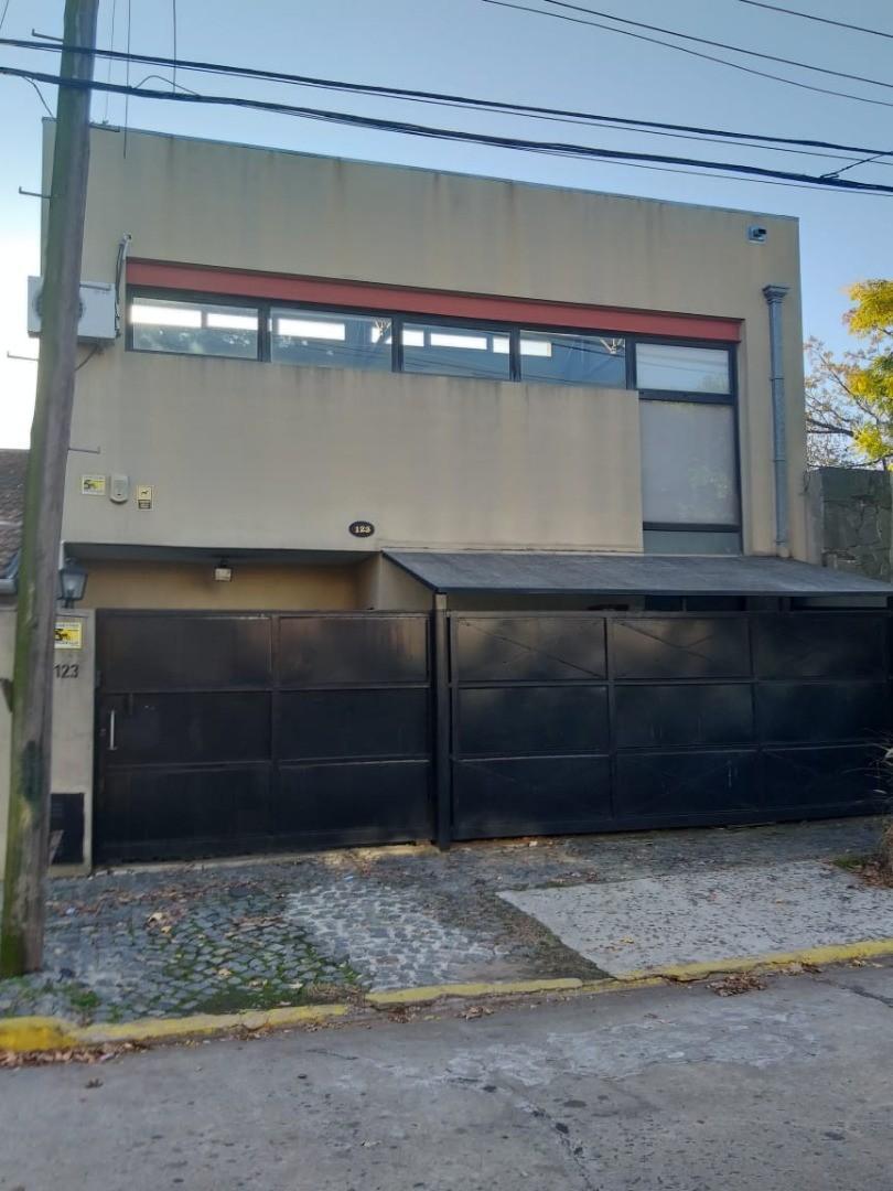Casa en Venta en Hipodromo / Panamericana - 3 ambientes