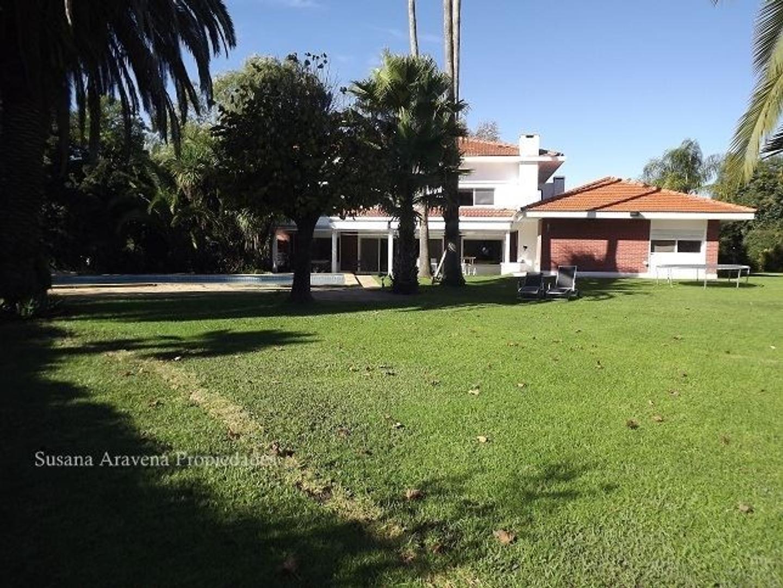Excelente casa en Los Lagartos Country Club-Pilar