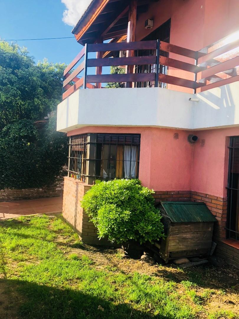 Casa en 2 plantas con quincho y piscina! - Foto 12