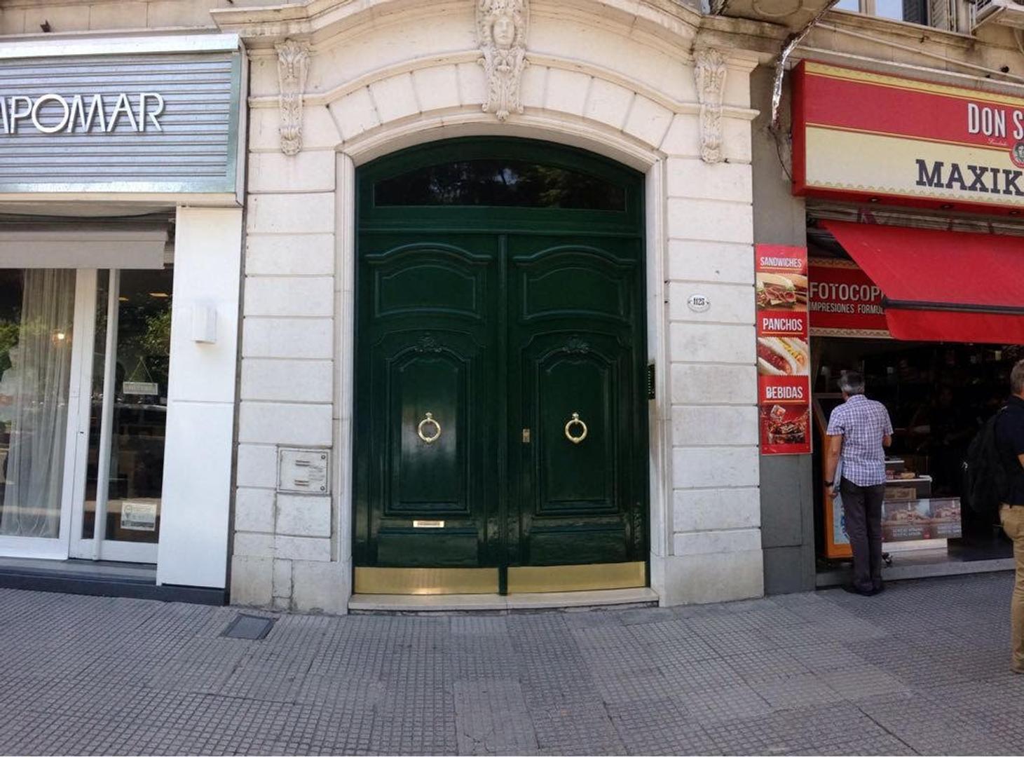 Piso Estilo Francés 2 Dormitorios Escr Liv y Com + Dpcia.