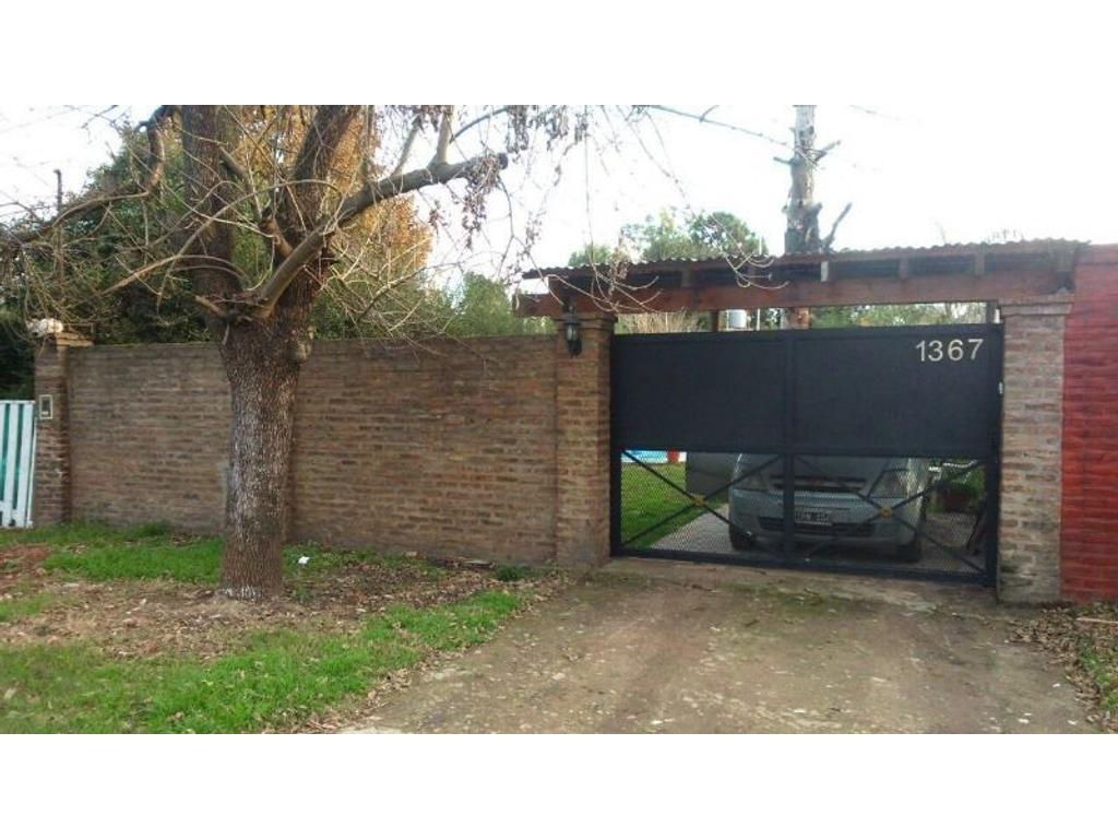 Casa 4 amb. con amplio jardin en Pilar a pasos Panamericana!!