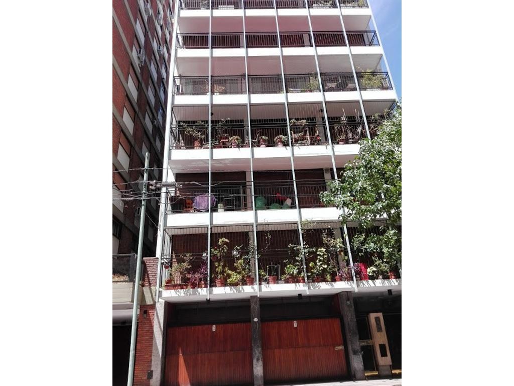 Muy lindo  4 ambientes  super luminoso, amplios ambientes,  balcon corrido contrafrente