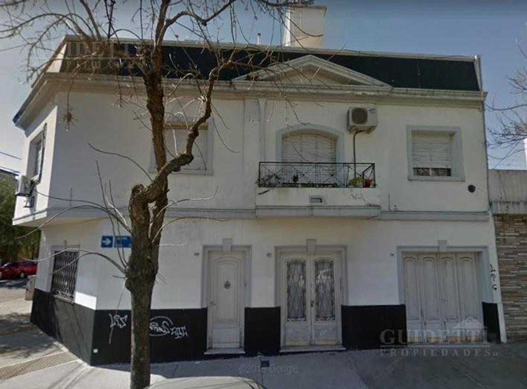 Venta departamento tipo PH 2 ambientes con balcón y terraza propia en Saavedra