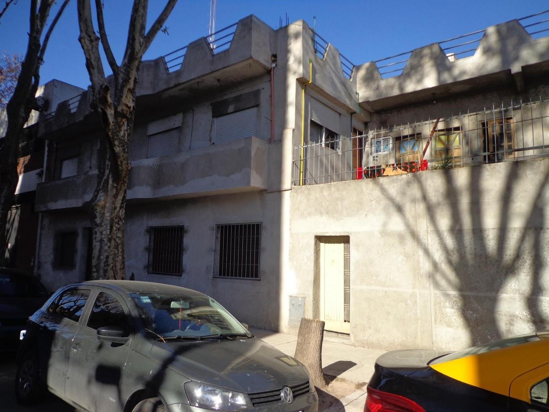 Casa en Venta en Pompeya - 8 ambientes