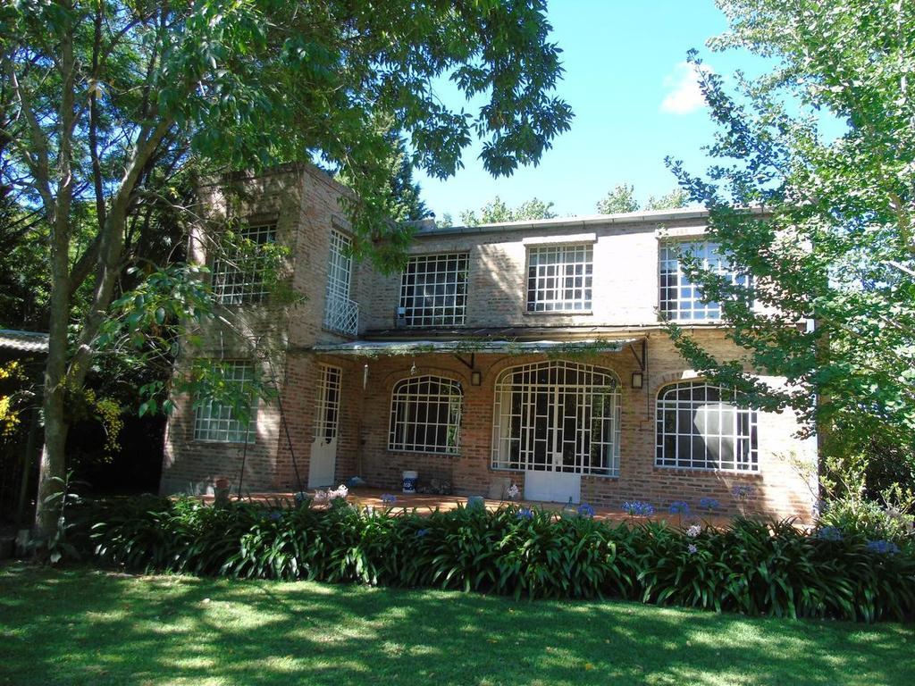 Casa en venta en City Bell Calle 482 e/ Cno. Belgrano  y 21 Dacal Bienes Raices
