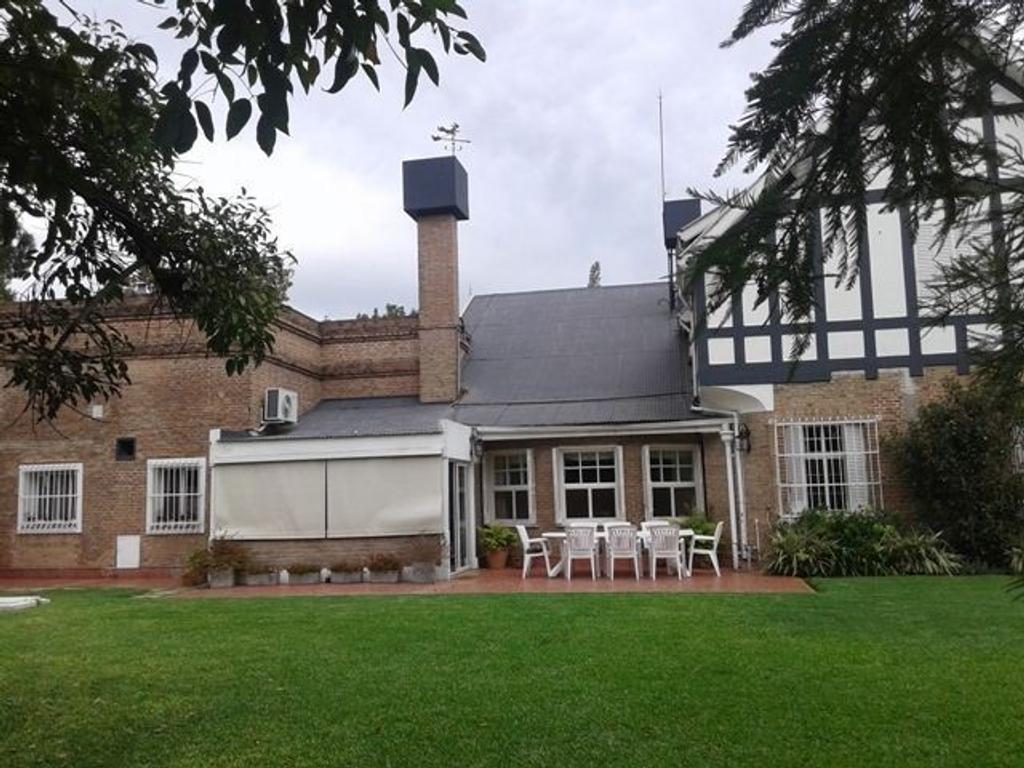 Casa 3 dormitorios a la venta Rosario. Tarragona y Brassey. Entrega Enero 2018.