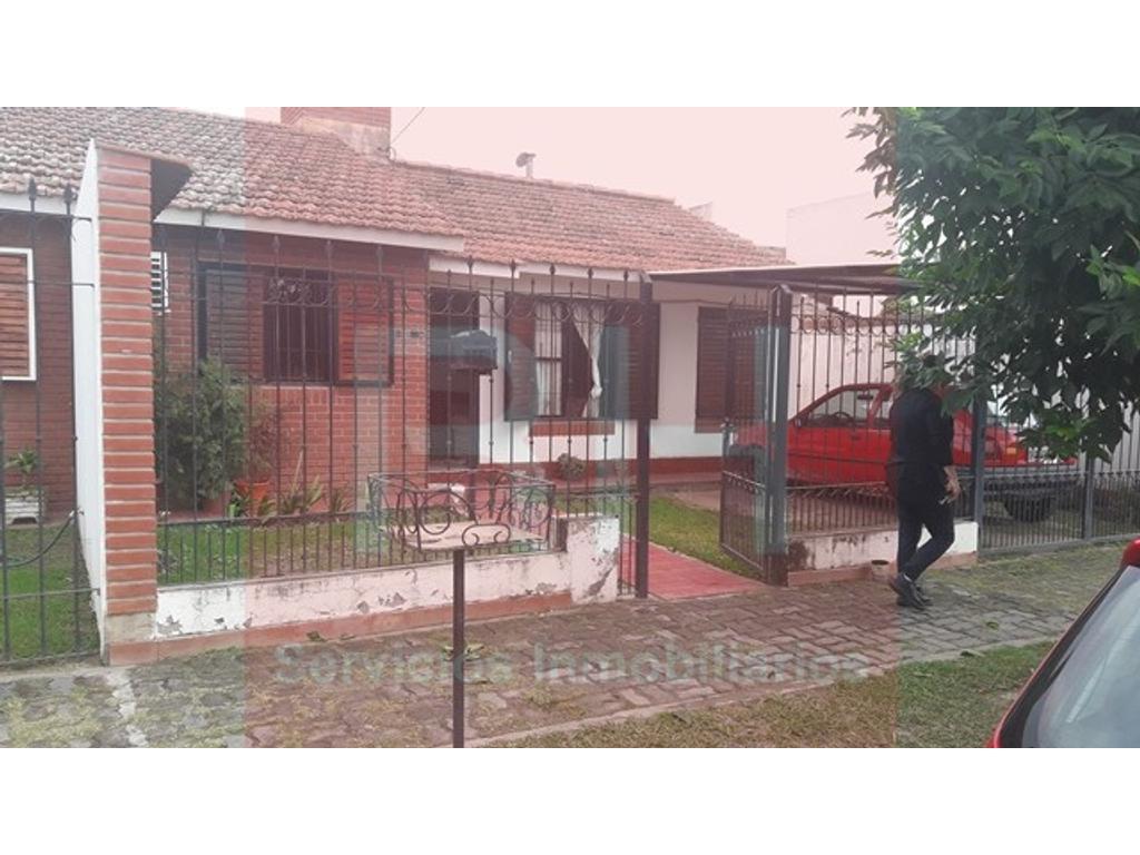 HERMOSA CASA BARRIO SAN CARLOS 4DORM- VENTA