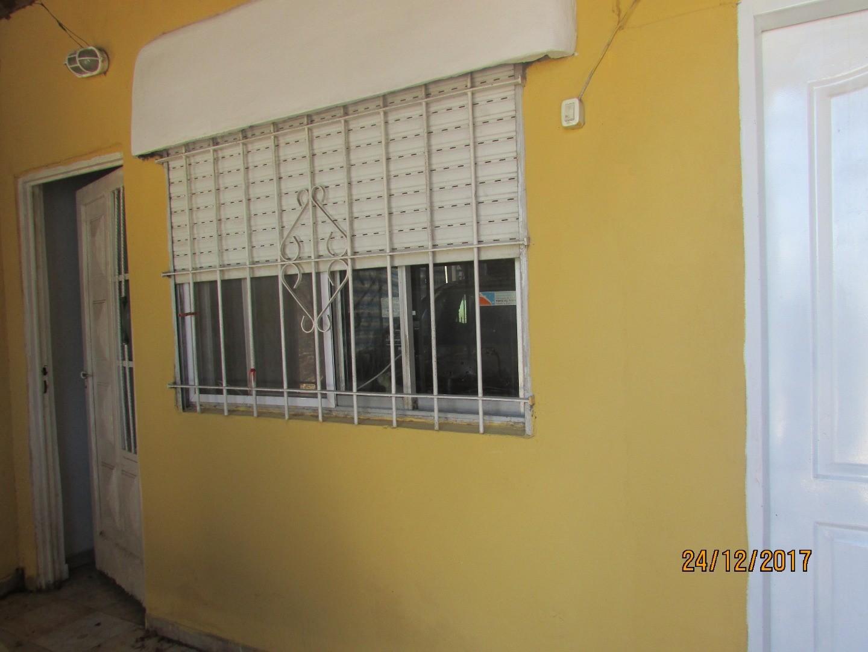 Casa De 4 Ambientes Con Quincho En Libertad. Merlo. APTA CREDITO HIPOTECARIO!!