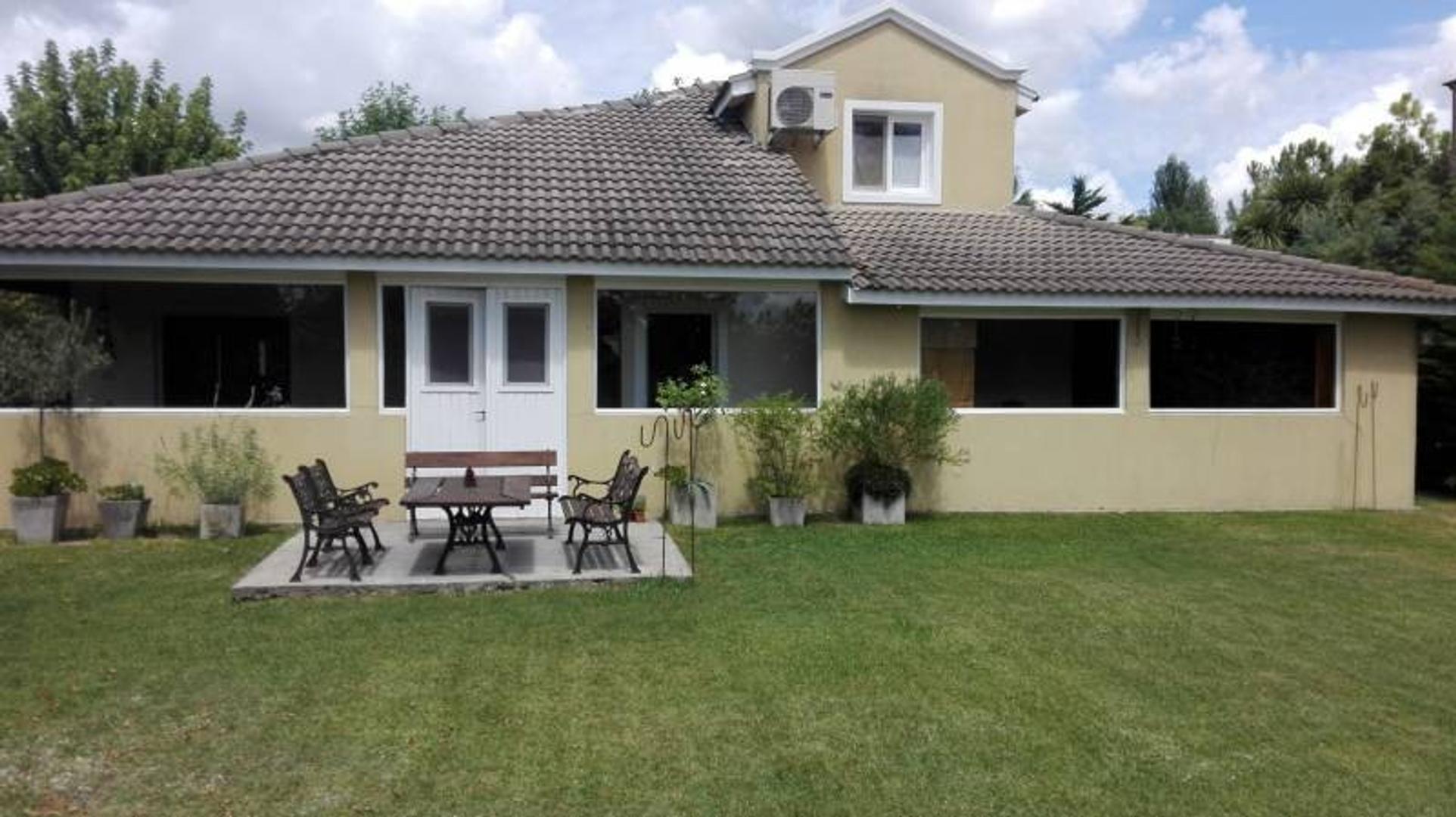 Casa en Venta - USD 220.000