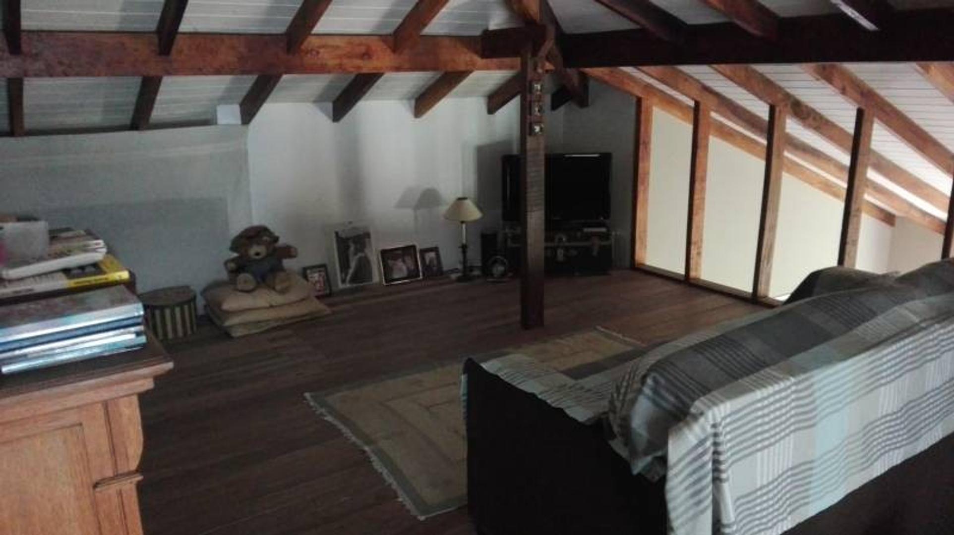 Casa en Los Pilares con 3 habitaciones