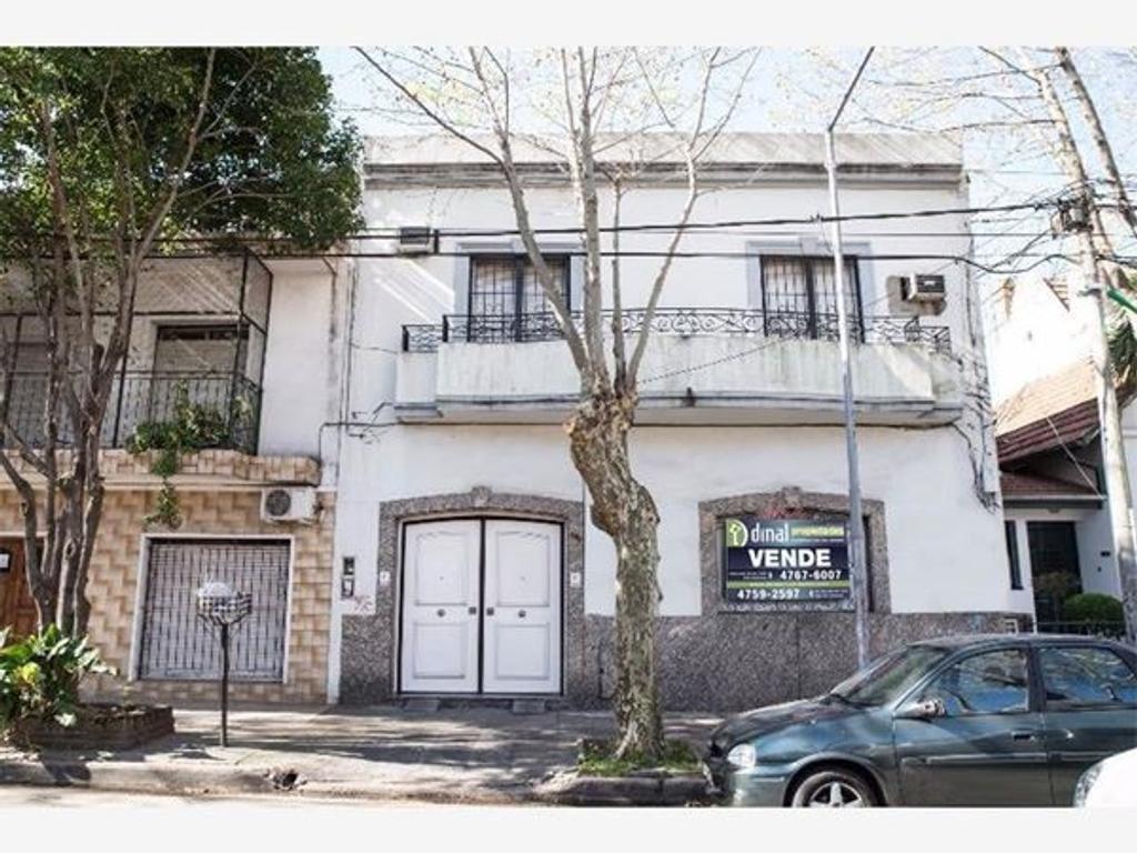 Excelente casa 4amb c/cochera, parque y quincho. 18 De Diciembre 1856 al 1700 - San Martín