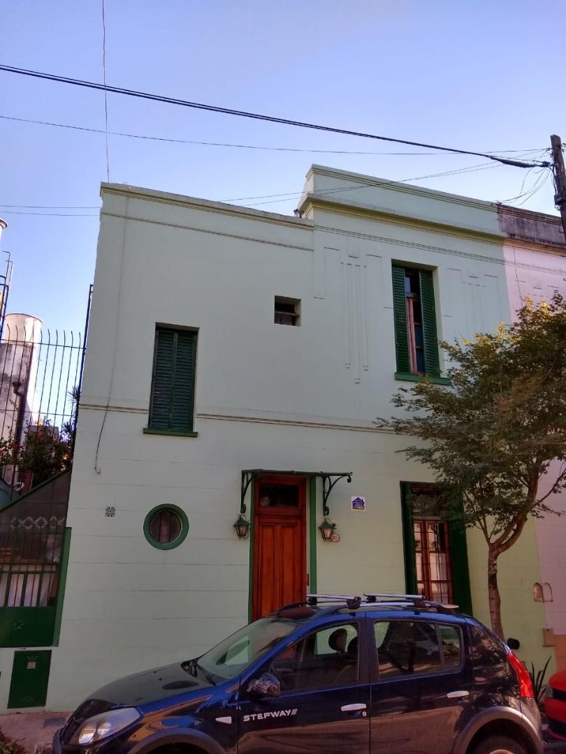 Casa en Venta en Barrio Santa Rita - 5 ambientes
