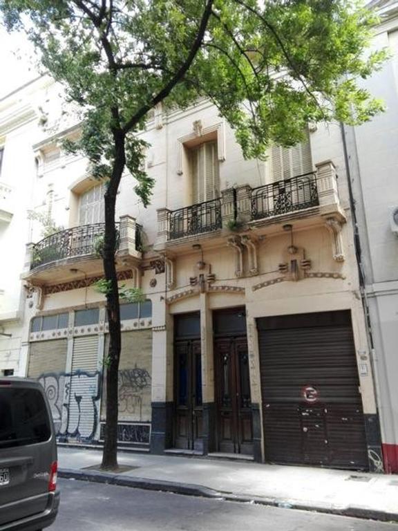 Local con depósito y vivienda en venta de 1205 m2 cubiertos
