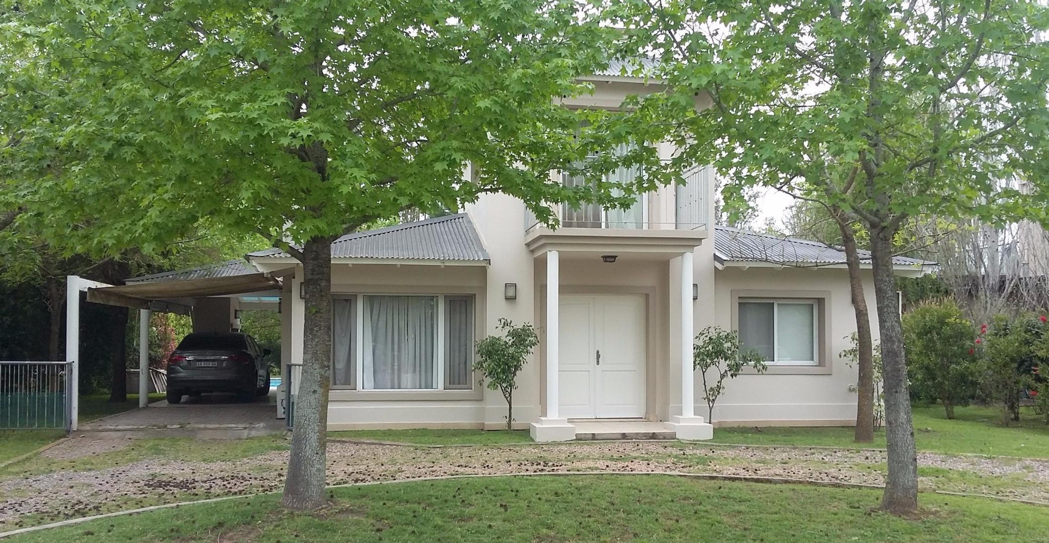 Dueño directo vende casa  Bo. Campo Grande. Pilar Zona Norte
