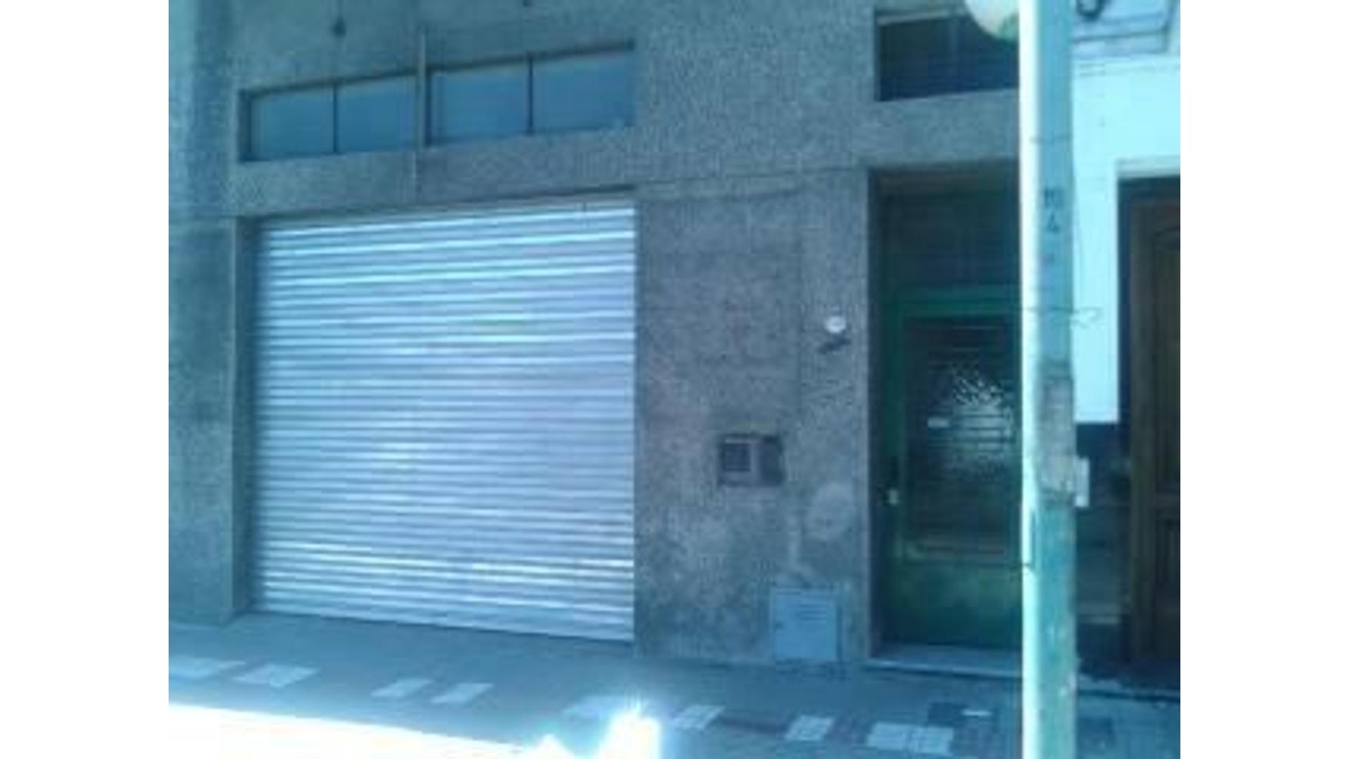 Industria / Galpon en Barracas Excelente Zona por accesos a media cuadra autopista 9 de julio