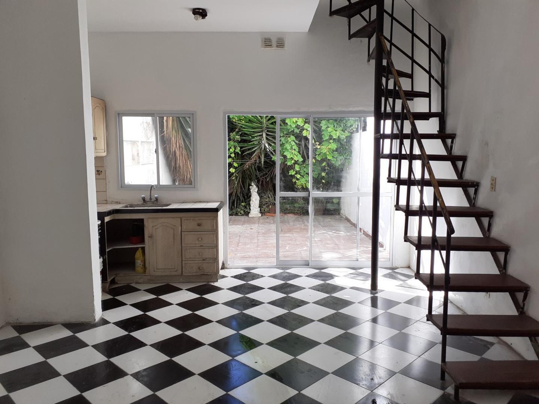 Casa en Venta en Bernal - 6 ambientes