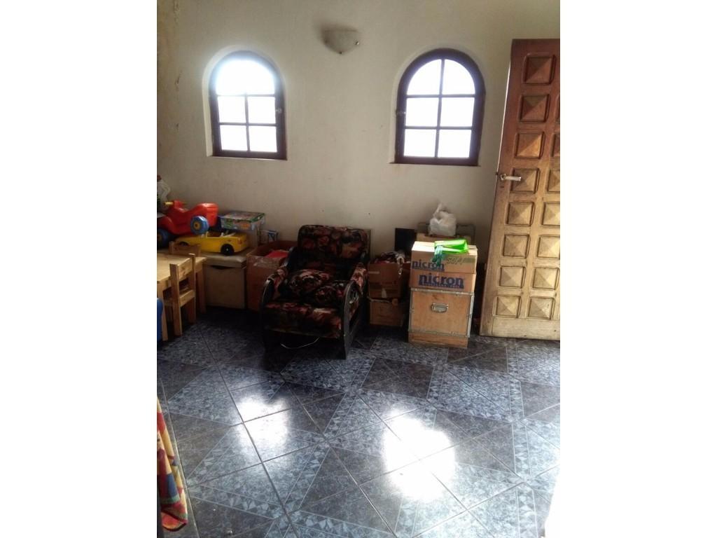 Ph de 177m2 3 dormitorios 2 baños gran terraza entrada independiente a refaccionar NO apto crédito