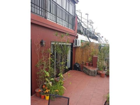 Triplex, 249mts, 2 terrazas, 2 cocheras, 4 dorm + dep., luz, silencio. Como una casa en Recoleta!