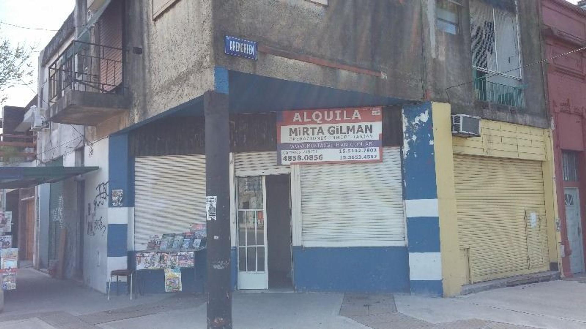 Local en esquina zona residencial