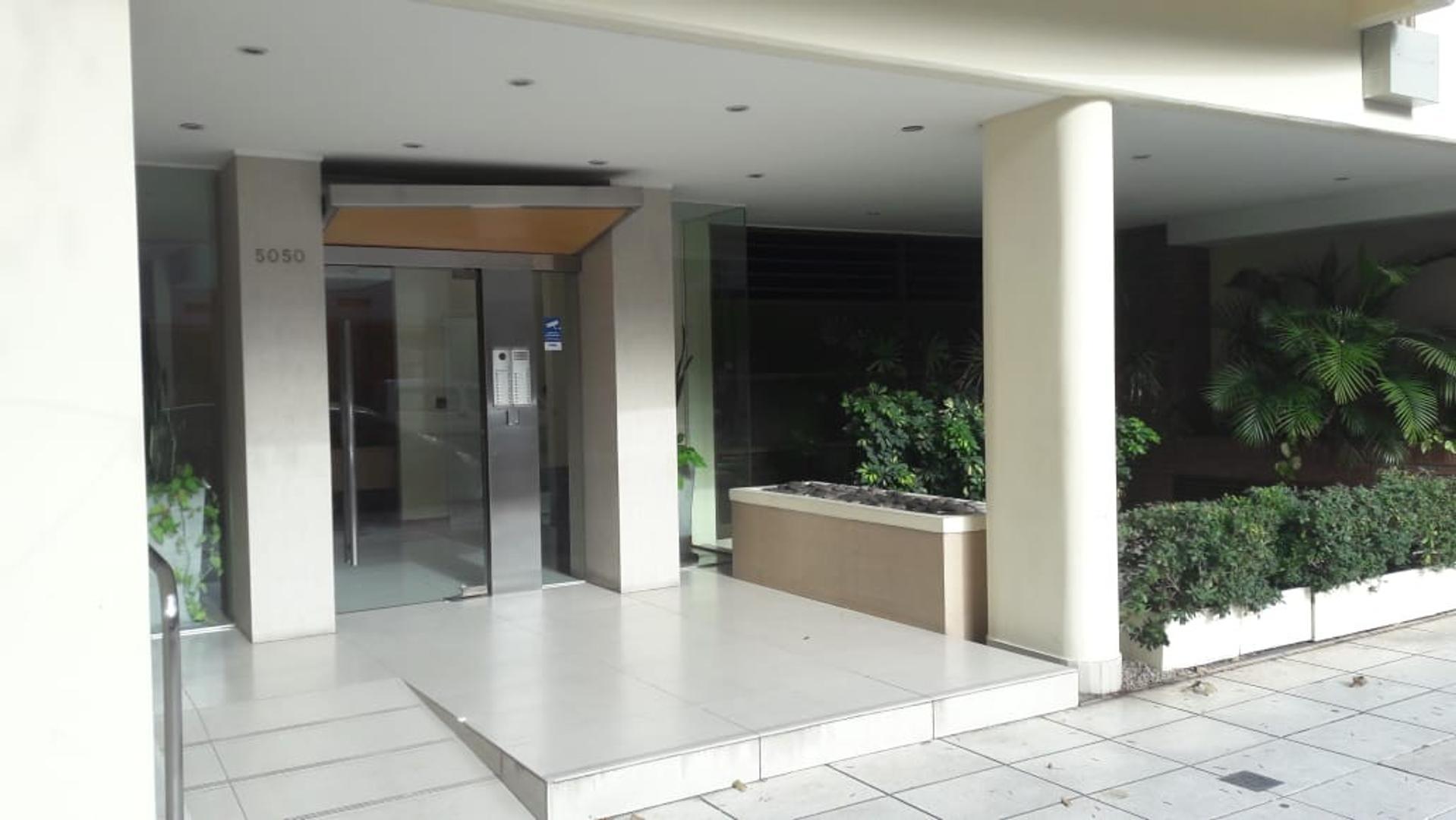 Excelente 3 ambientes cochera fija cubierta