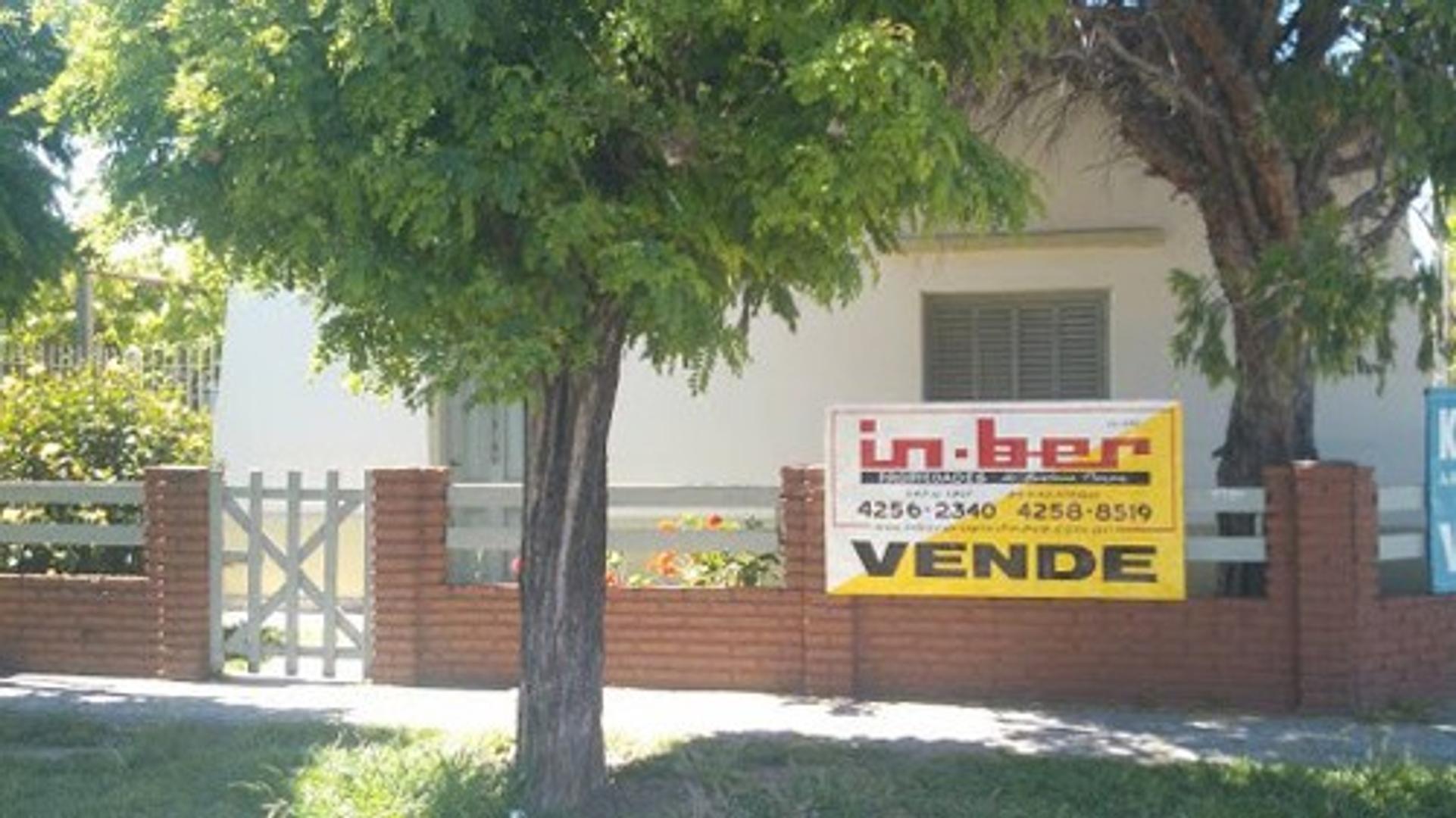 XINTEL(INB-INB-1393) Casa - Venta - Argentina, BERAZATEGUI