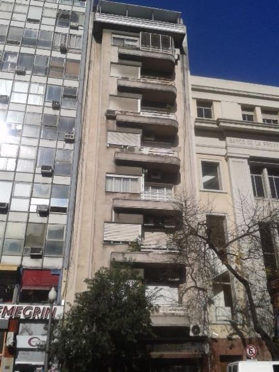 Oficina Impecable sobre Avda. Córdoba e/Carlos Pelegrini & Suipacha