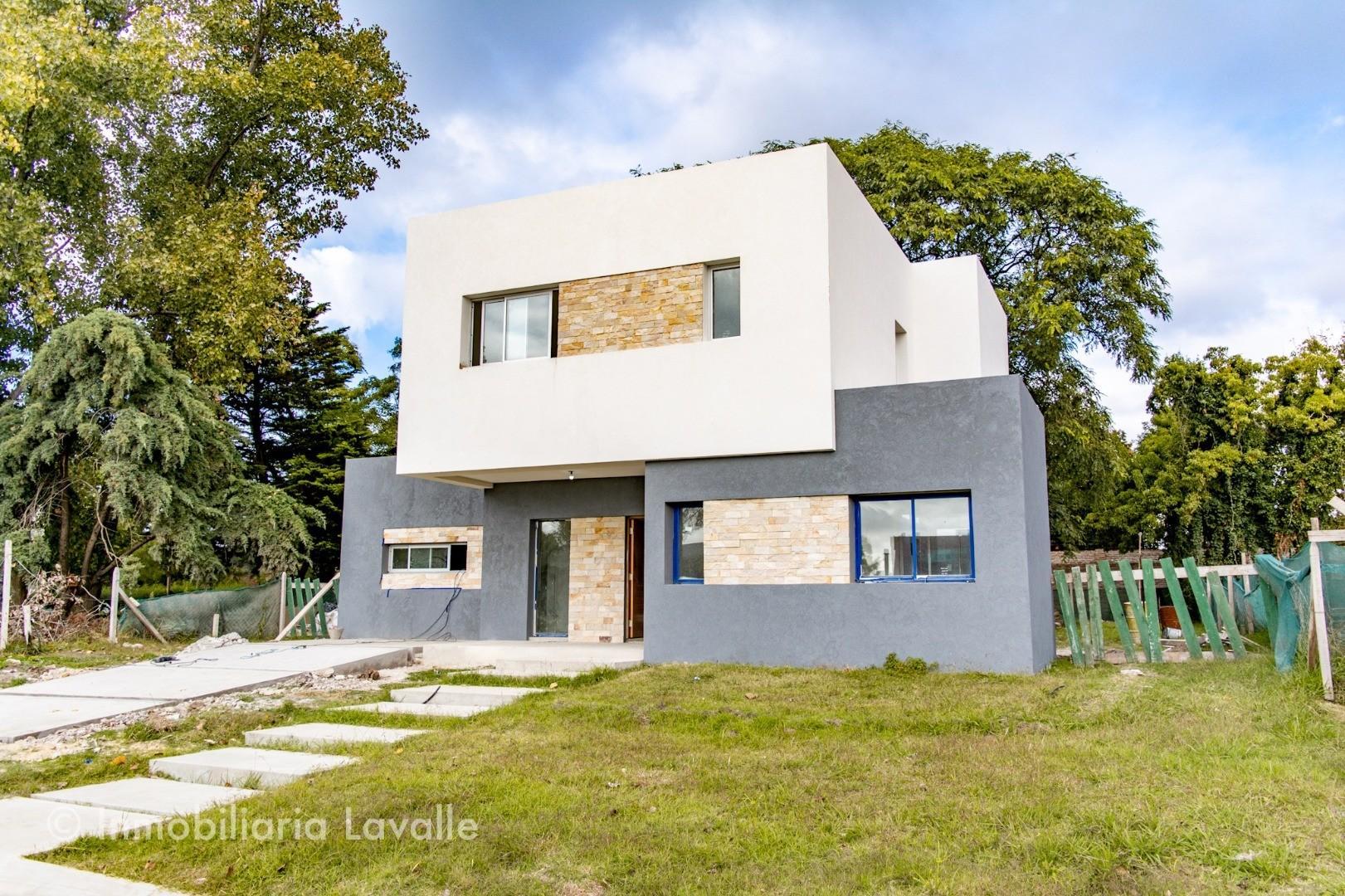 Casa en Venta en Countries y Barrios Cerrados Berazategui - 4 ambientes