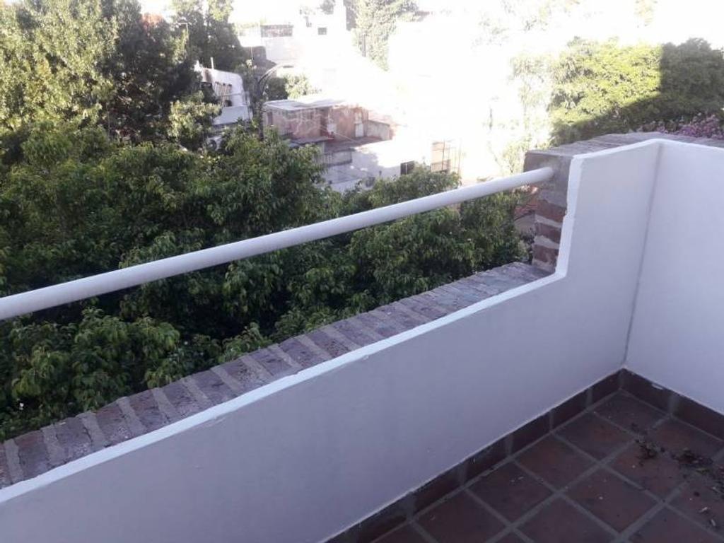 departamento de 2 ambientes con cochera y balcon