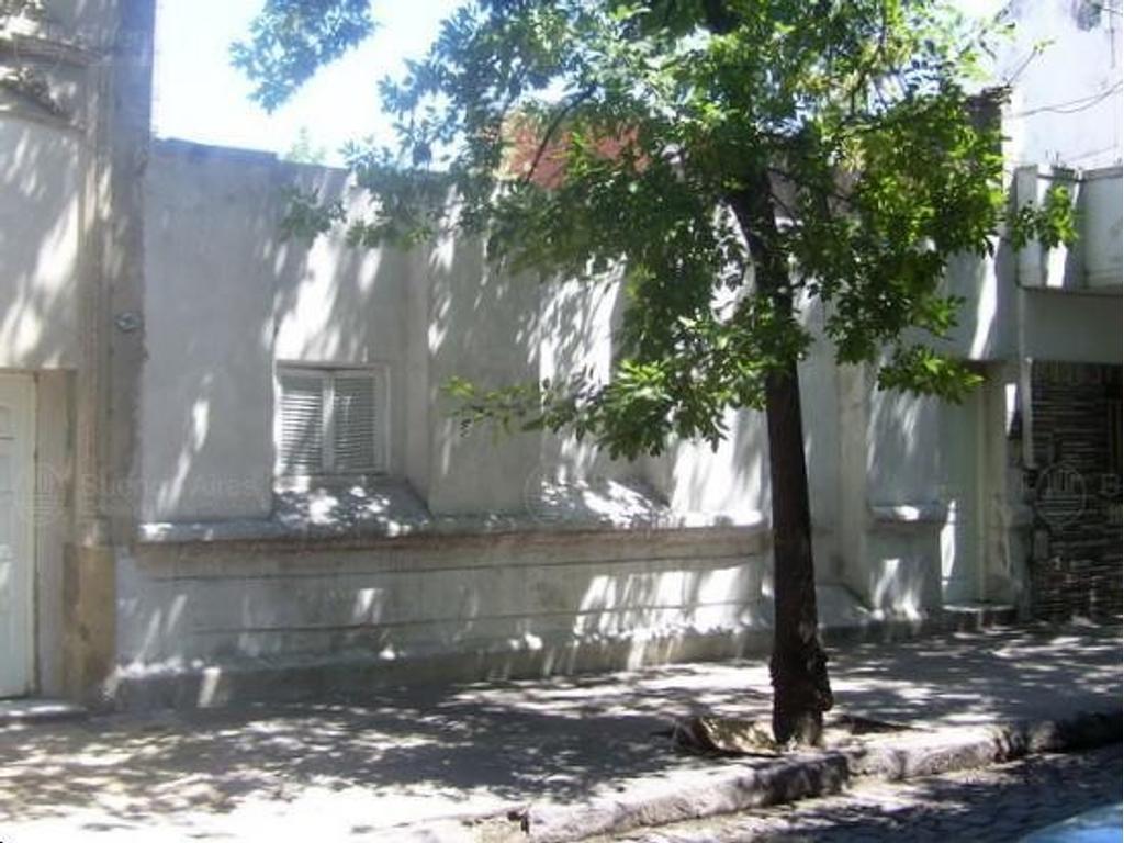 Casa antigua de 304 m2 - Boedo