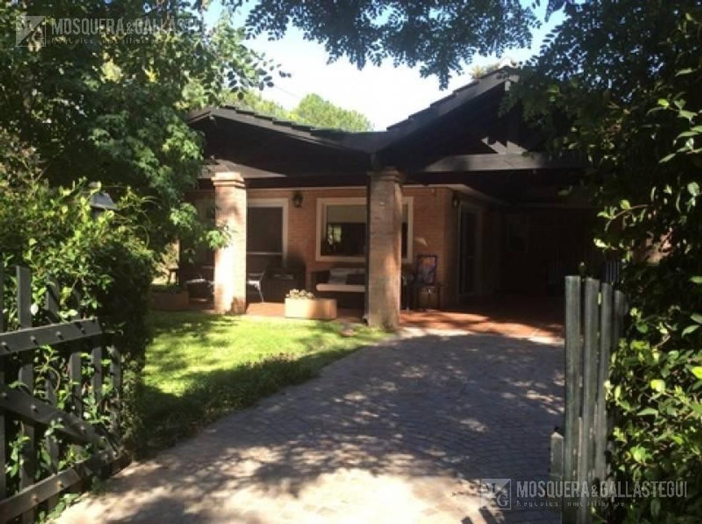 Casa en Venta - 5 ambientes - USD 230.000