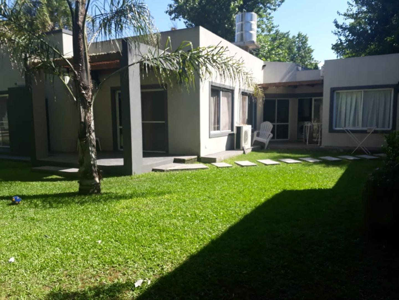 Casa en Venta en Barrio Parque Leloir - 6 ambientes