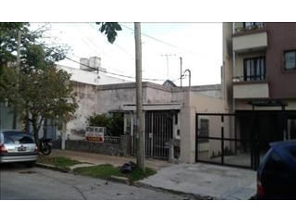 Casa En Venta En Dr J Jose Castelli 87 E Rivadavia Y