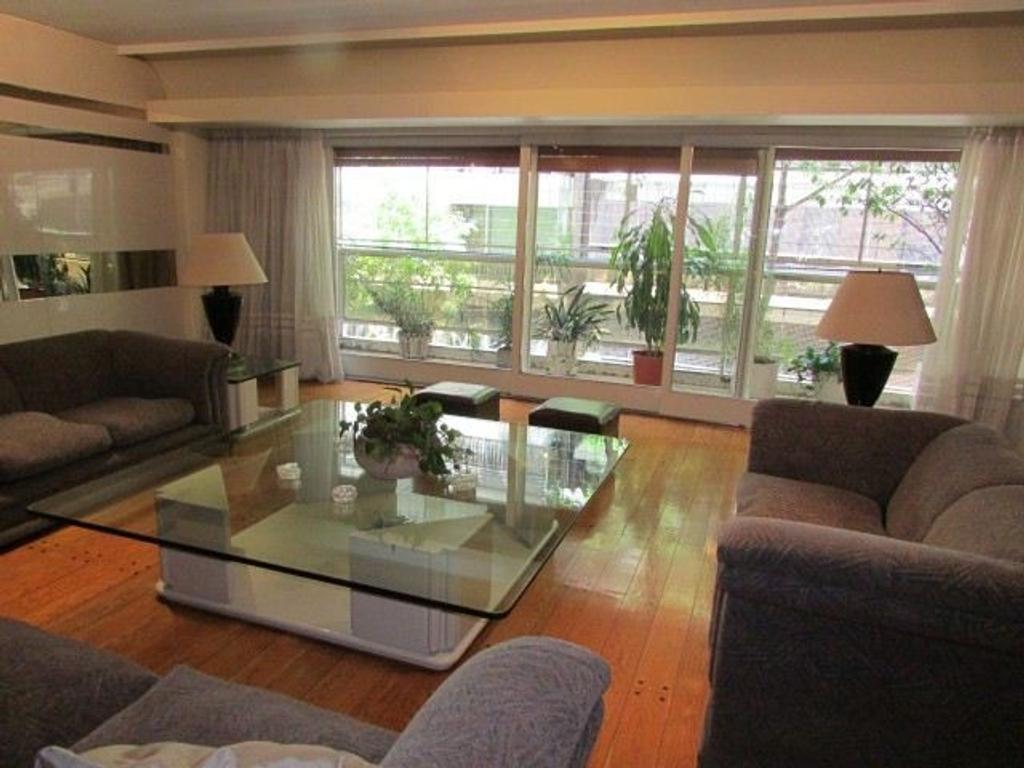 ARCOS Y ECHEVERRIA    AMPLIA RECEPCION , 2 dormitorios, dependencia, COCHERA FIJA