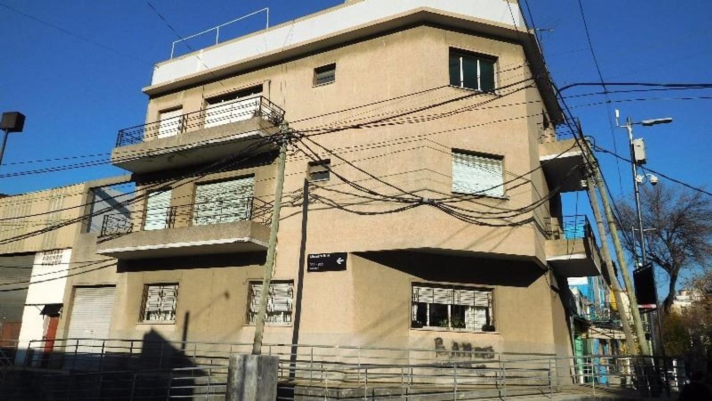 EXCELENTE DEPARTAMENTO DE 4 AMBIENTES TOTALMENTE AL FRENTE. GRAN TERRAZA