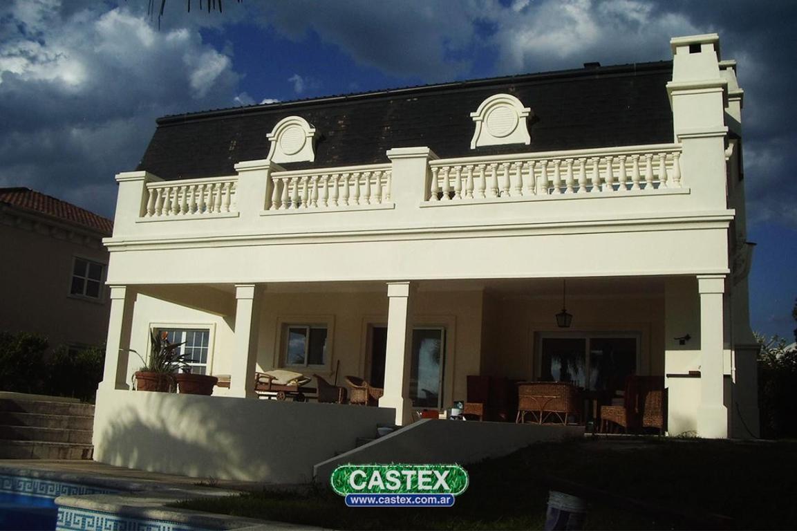 Excelente Casa al Lago Central Nordelta