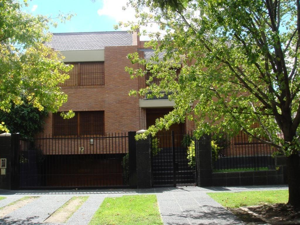 Casa - Venta - Argentina, San Isidro - PARANA  AL 400