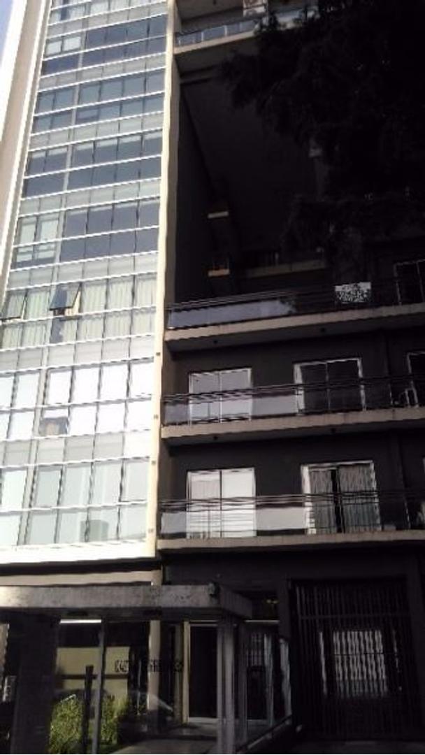 Departamento tipo loft de 2 ambientes, Bernal centro.