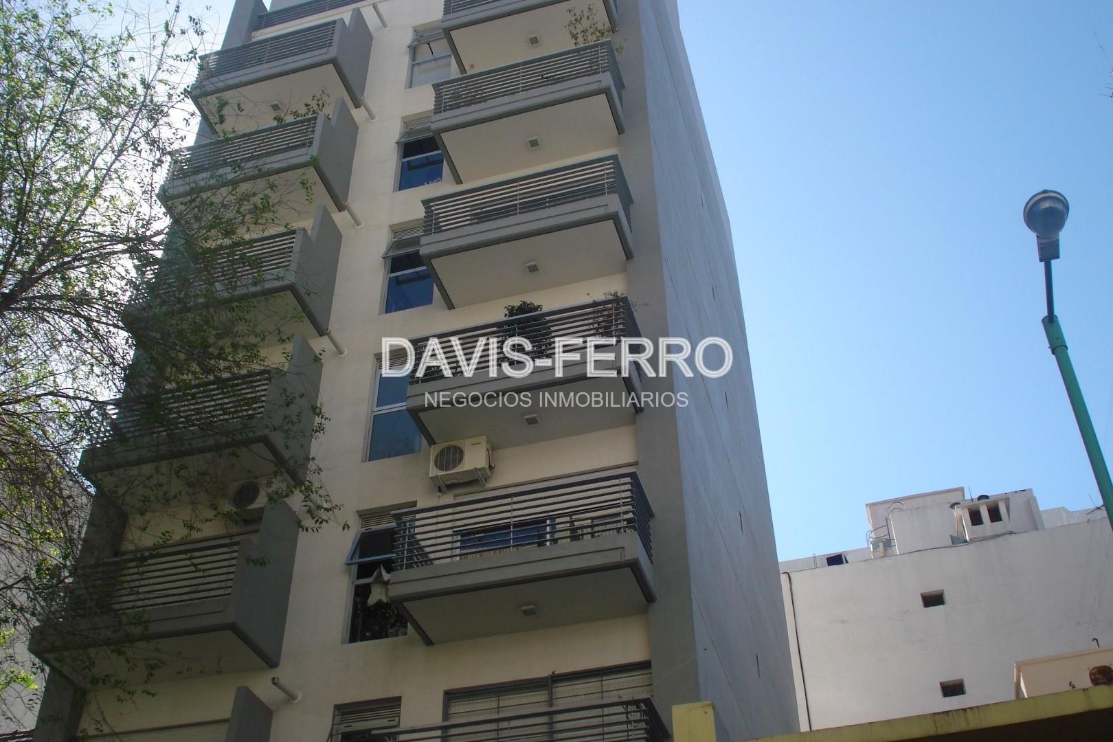 Rivera 2600 - Oficina al frente con balcón - Nuñez
