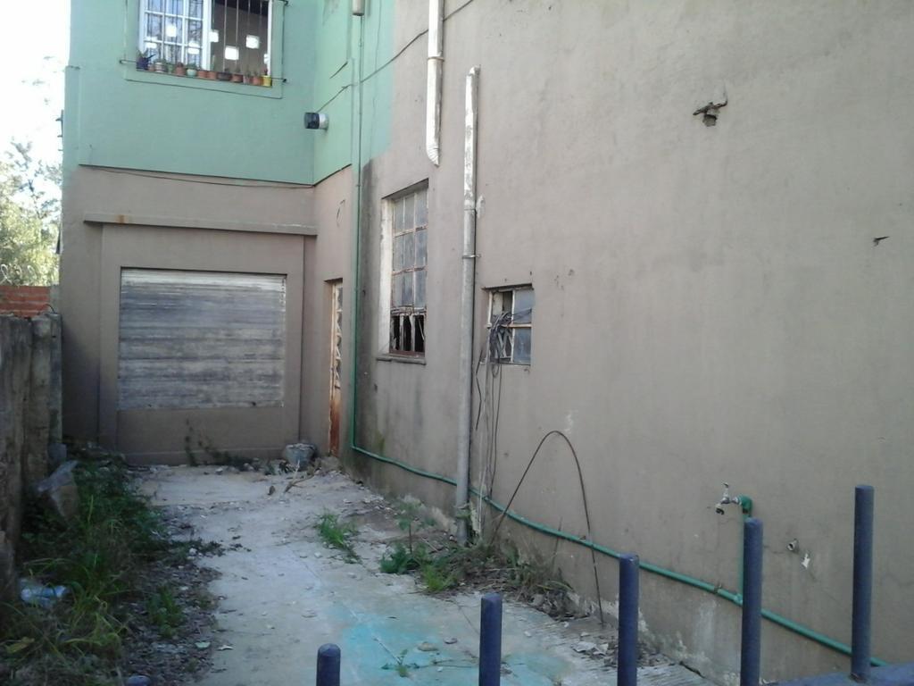 PH en Planta Baja a Refaccionar en D. Velez Sarsfield (Esquina Spiro), Haedo