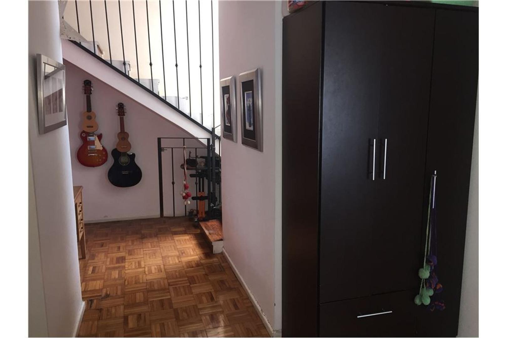 Excelente propiedad con balcón terraza de de 25mts