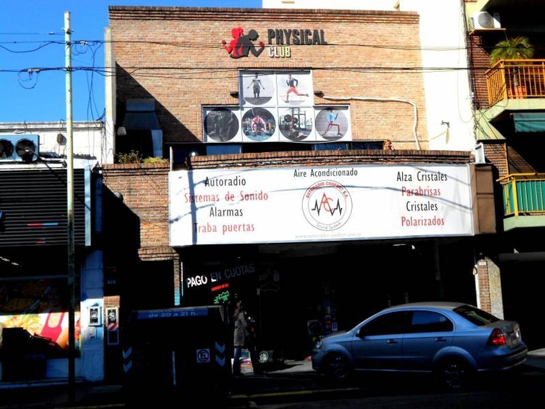 Av. Congreso 2700: Belgrano: Alquiler de local en en 1º Piso por escalera con entrada independiente