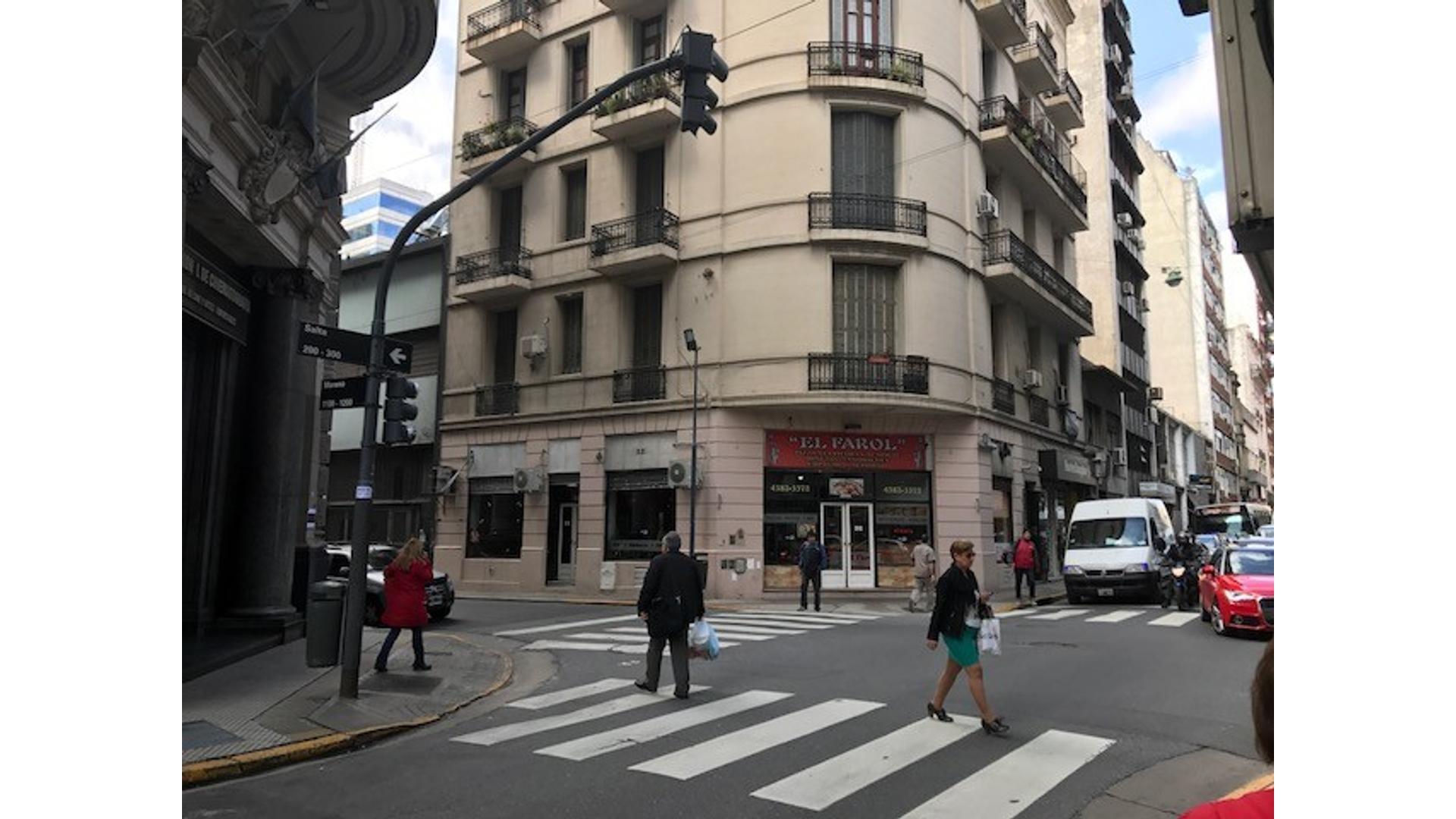 EXCELENTE PIZZERIA EN IMPORTANTE ESQUINA LOCAL EN SALTA Y MORENO