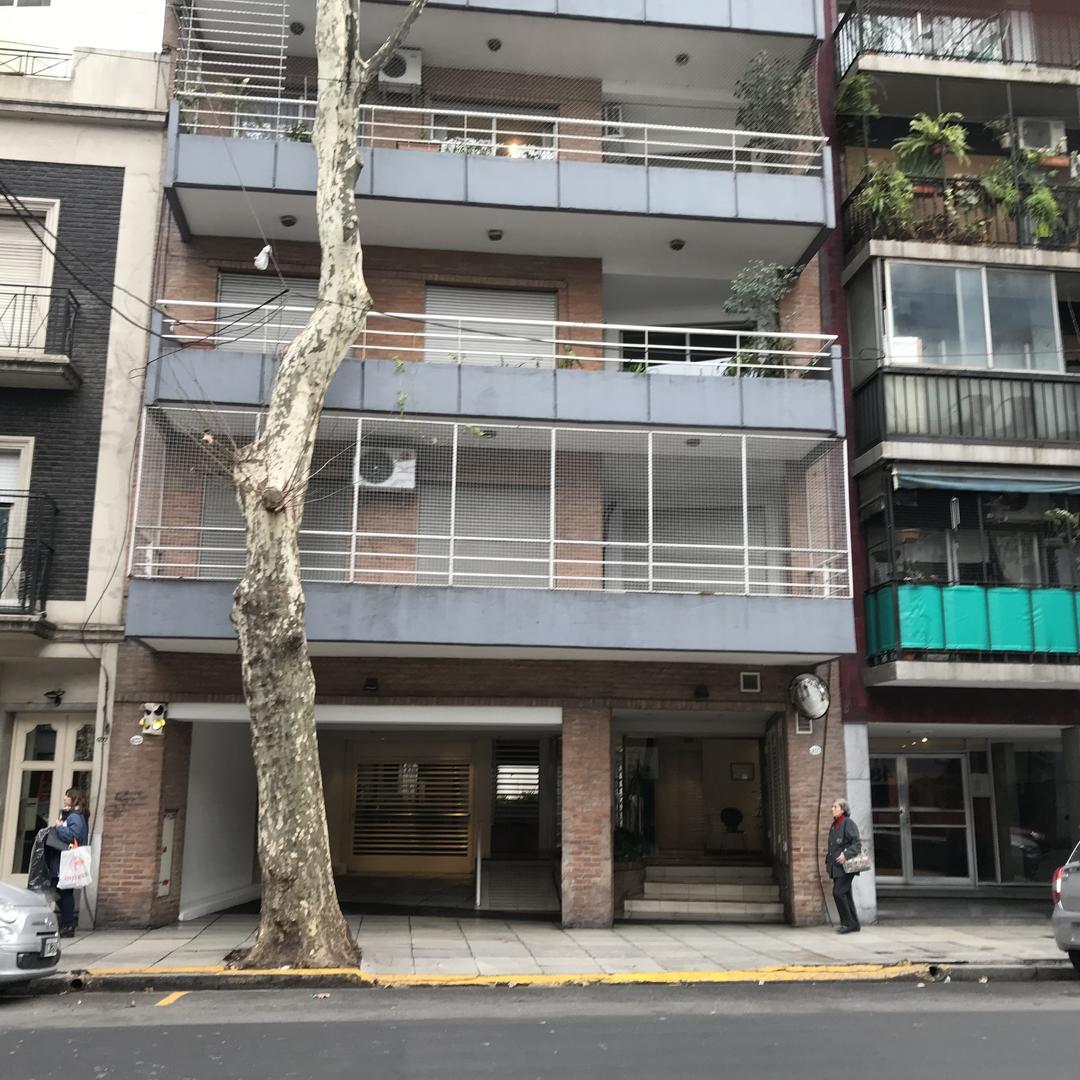 Excel PISO al Fte c/ ampl LC balcon corr 3 Dor (Suite) 2 baños toil cocina lavadero y Cochera en PB