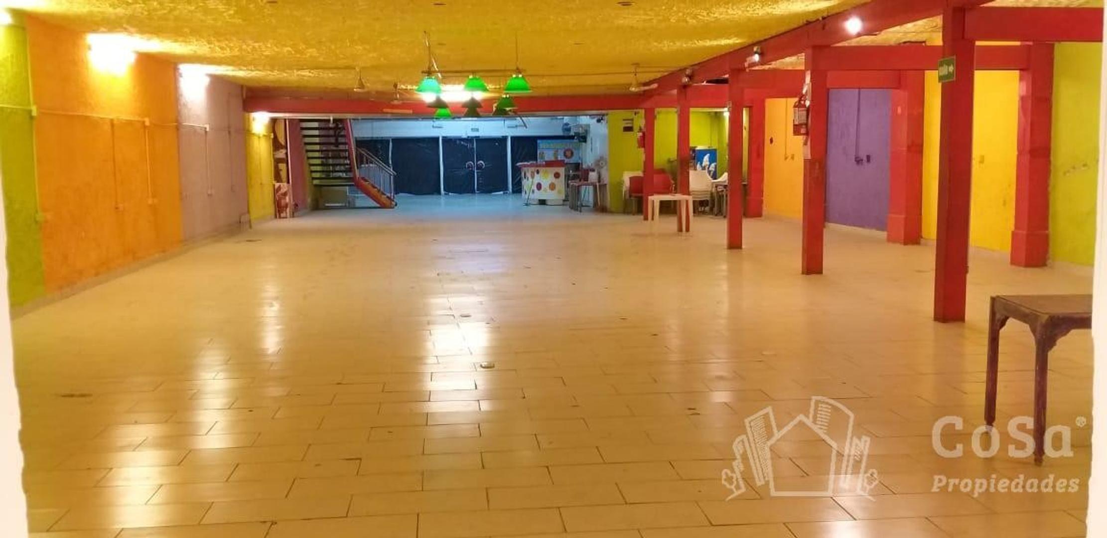 Local - 2 plantas | 984 m2