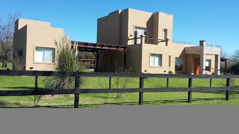 Vendo Importante Casa en Excelente Estado emplazada en 5000mts cuadrados
