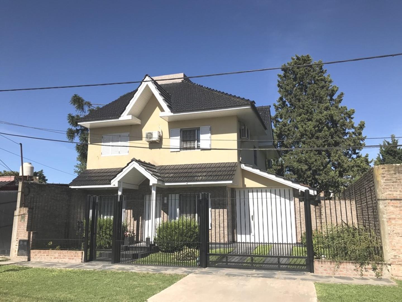 Casa en Venta en Barrio Corimayo - 5 ambientes