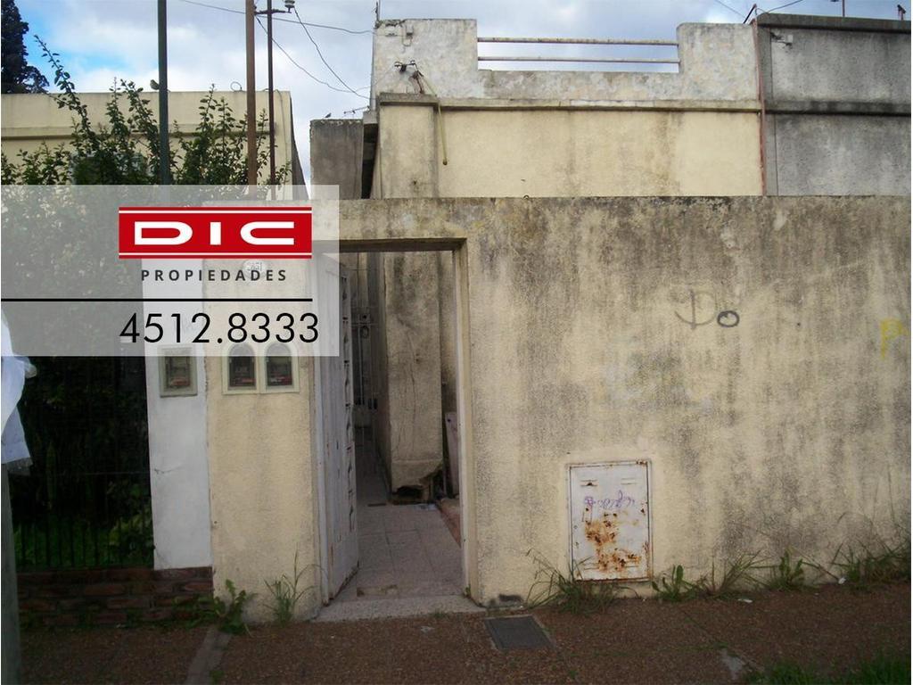 Casa - 3 Ambientes - Carapachay