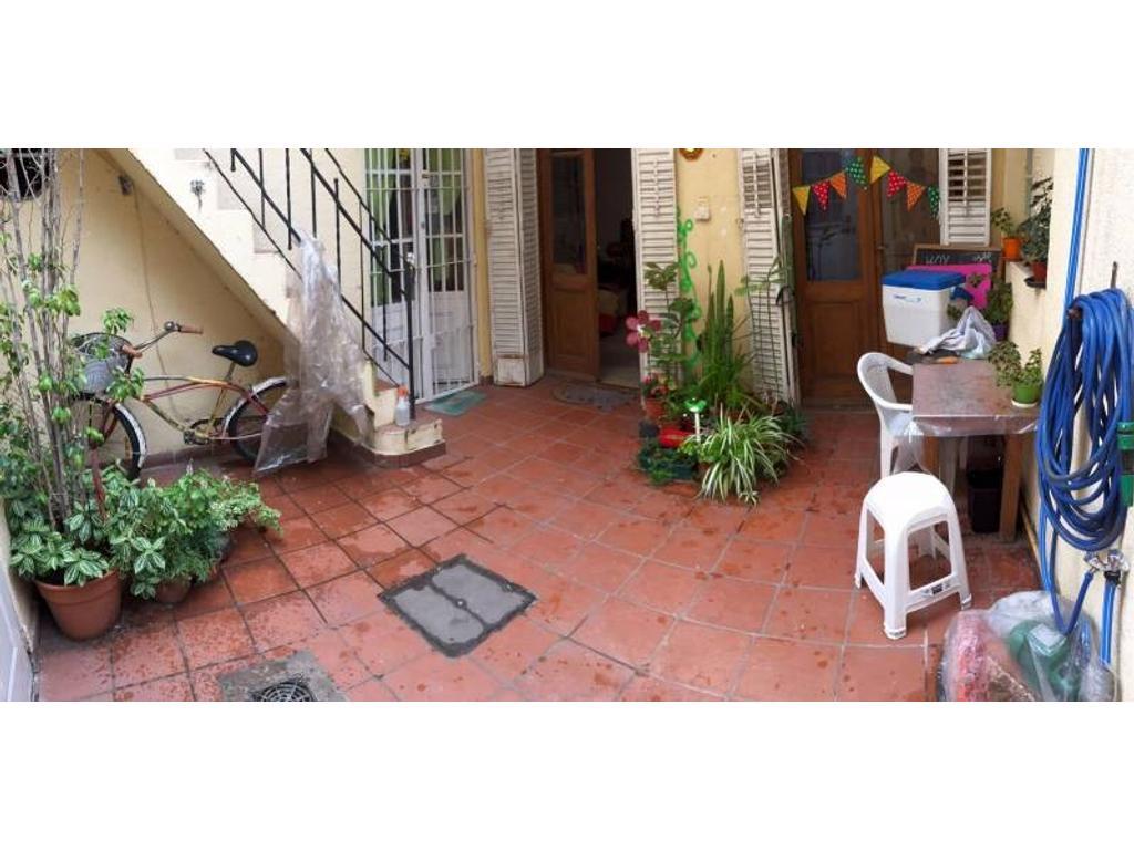 Pasillo de 2 Dormitorios con Patio y Terraza