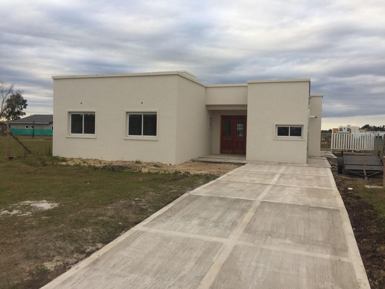 Casa en Venta en Pilar del Este - San Eduardo - 4 ambientes