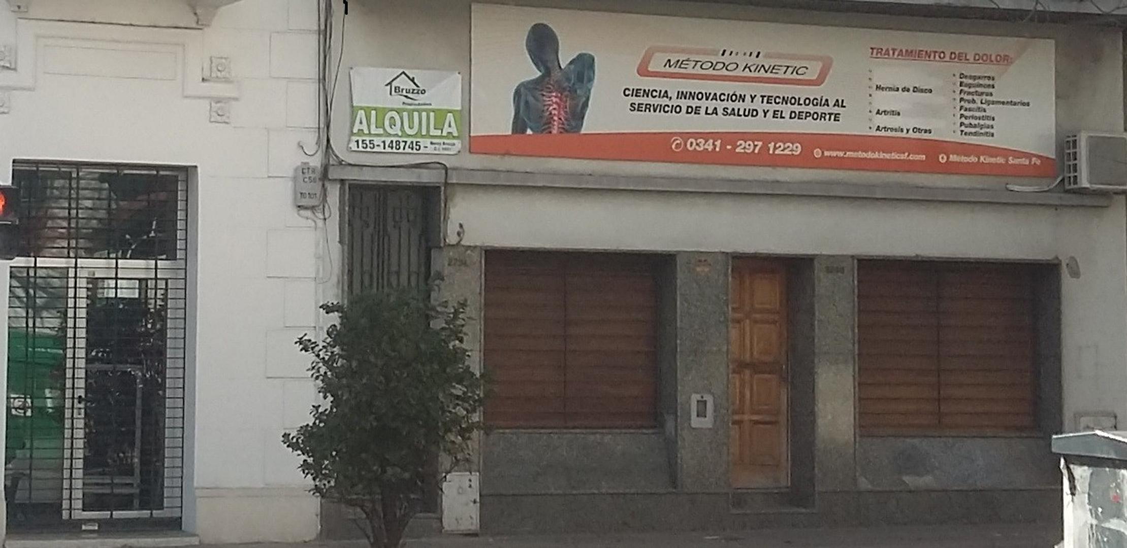Casa uso comercial a una cuadra de Bv. Oroño.